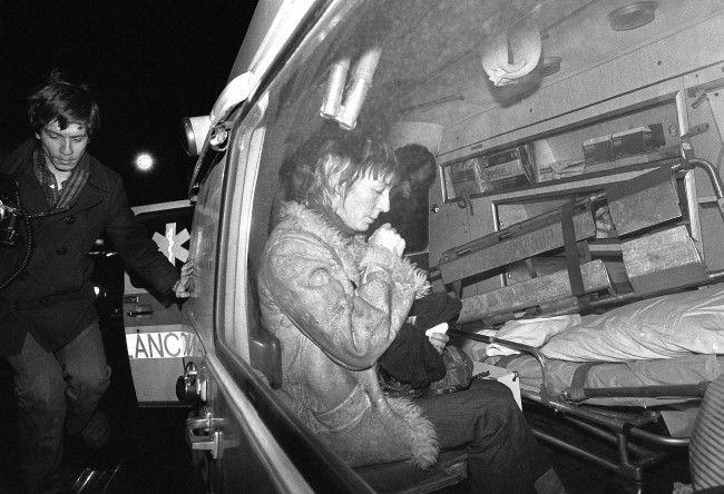 Anne Beverlyin ambulance with dead Son